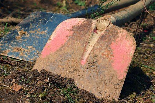 gardening shovel for DIY landscaping
