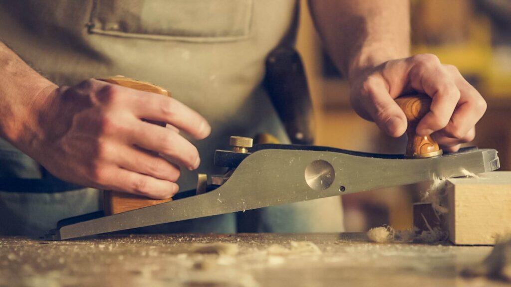 making homemade wood grain filler